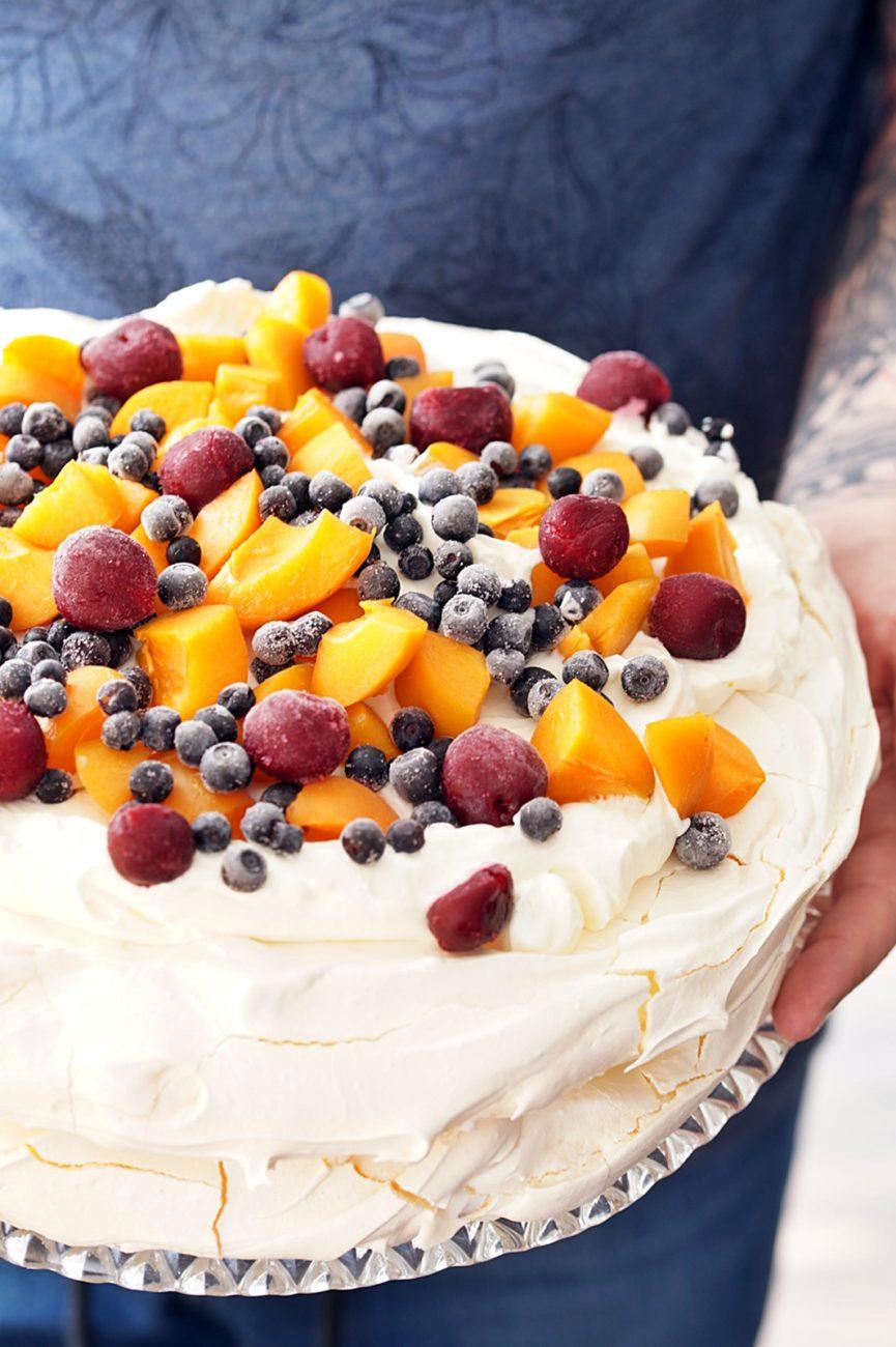 Klasyczny tort bezowy